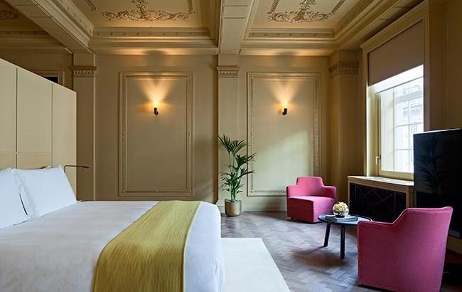 Cafe-Royal-hotel-jotun-lady-helle-tjaberg